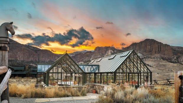 Bespoke-Victorian-Glasshouse---Wyoming