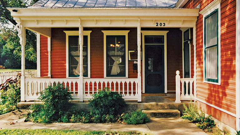 Period-Appropriate Porch Supports