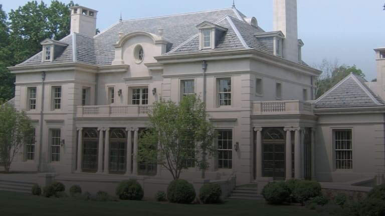 Wayside Manor: American Neoclassicism