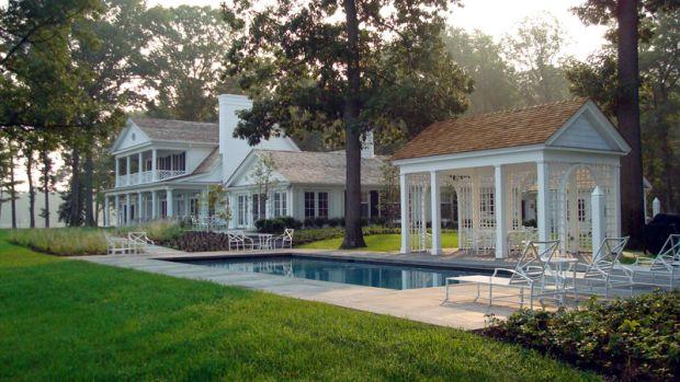 pool/dining pavilion