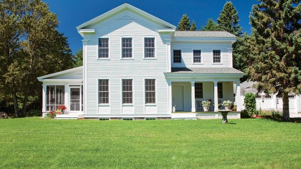 Architect Sandra Vitzthum uses classical details for a Greek Revival porch in Connecticut.