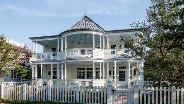 continuous double-height porch