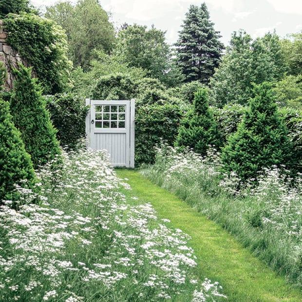 Garden Designer Arne Maynard S Dramatic Landscapes Period Homes