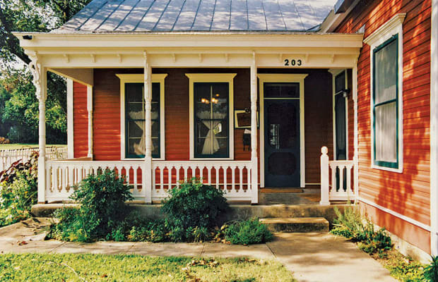 Period-Appropriate Porch Supports