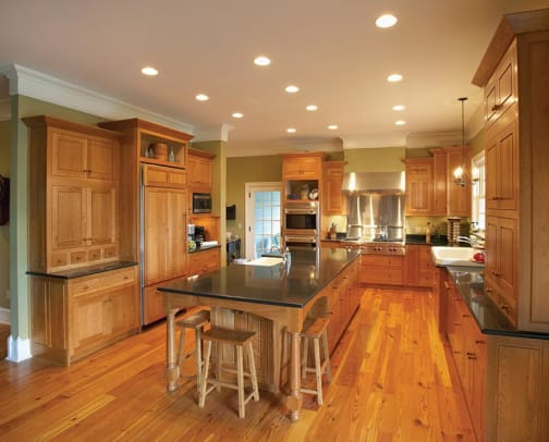 The classic traditional kitchen cabinets period homes for Period kitchen cabinets
