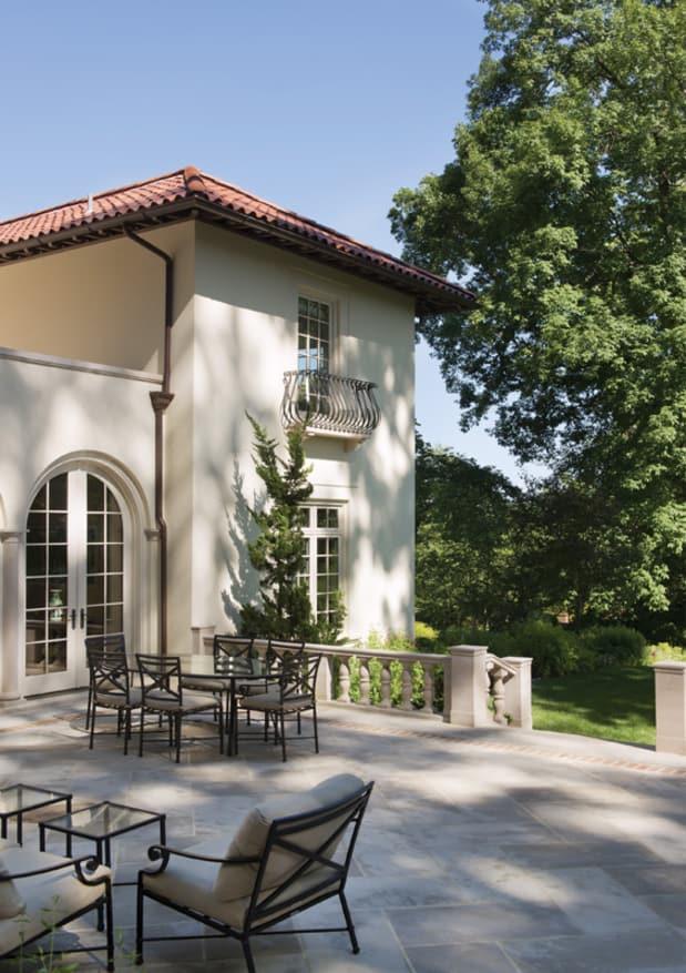 Innovative Traditionalists: David Jones Architects