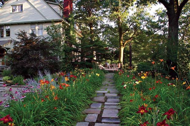 An Eco-Friendly Garden for a Historic Home