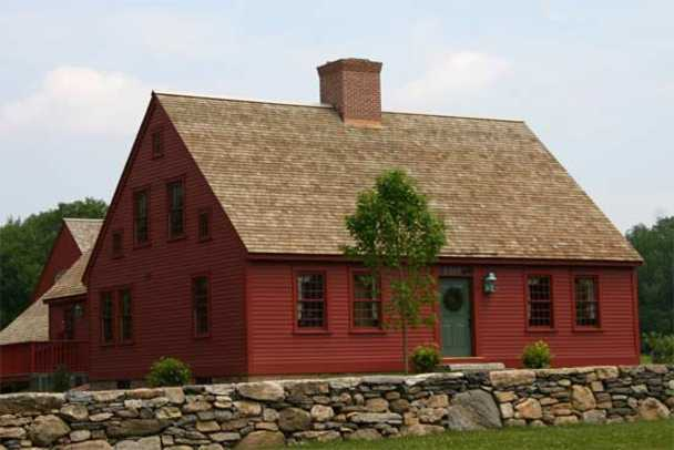 Early new england homes by country carpenters period for Modern new england homes
