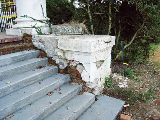 house-north-portico-steps-before