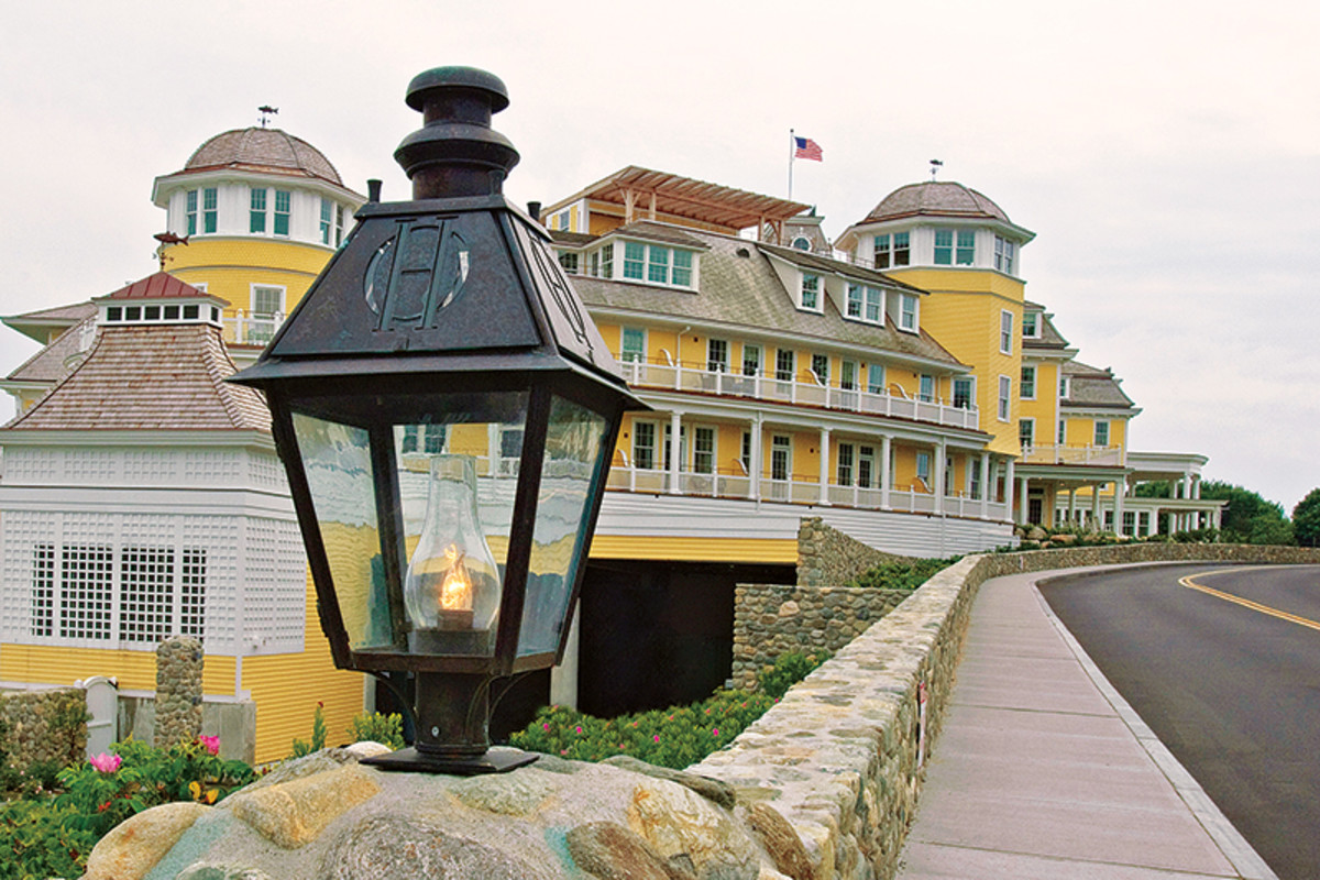 Colonial Lighting Fixtures The Iconic Period Homes