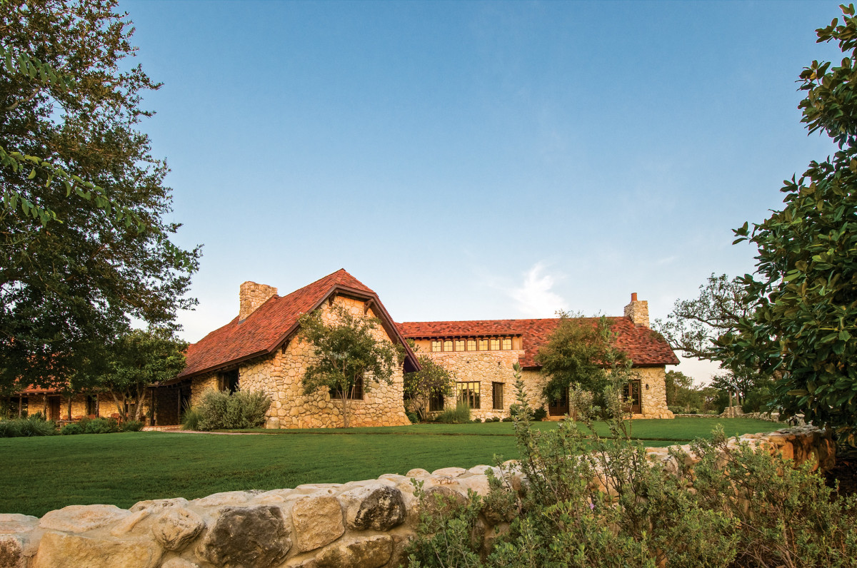 Architect Michael Imber retools a Hill Country ranch.