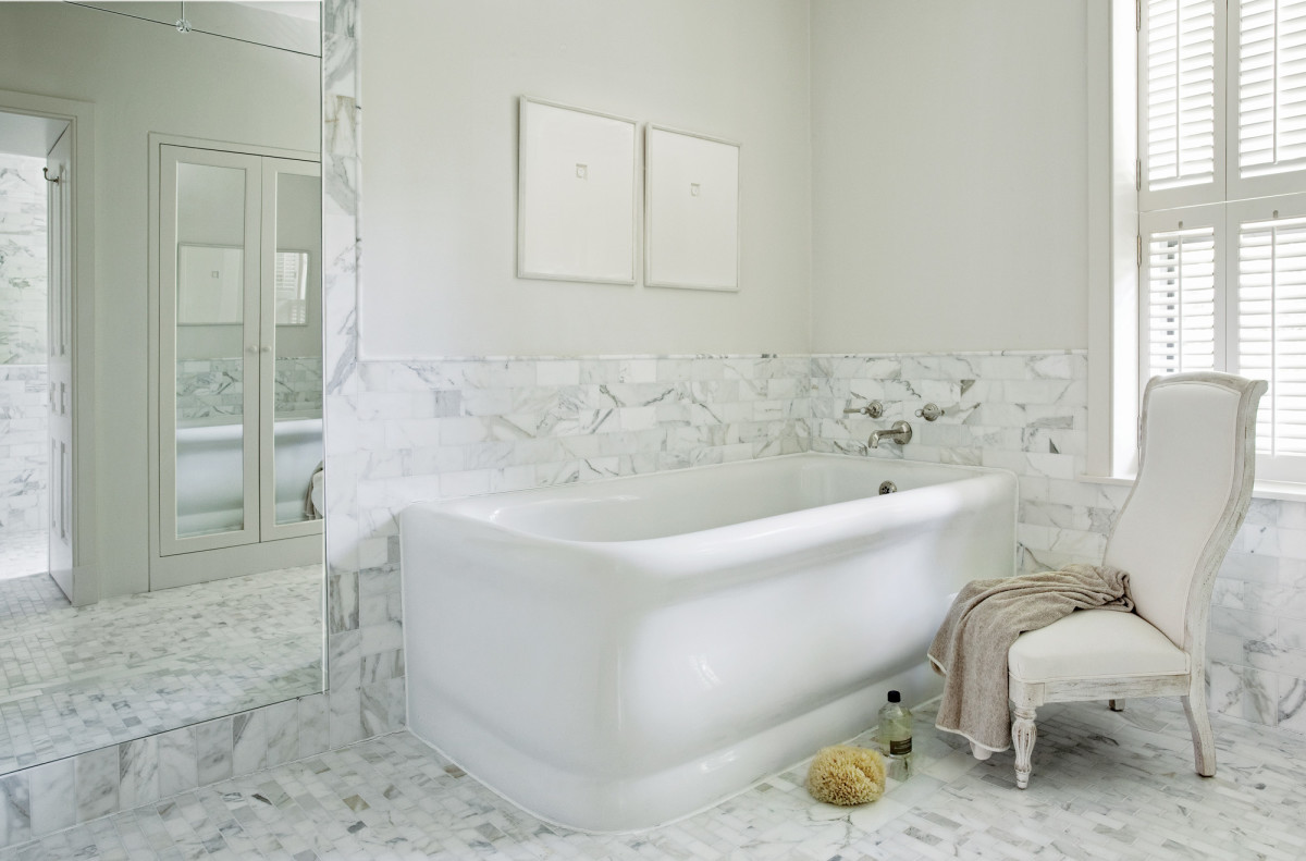 Marble is carried through to the floors and walls for the ultimate in aesthetics.
