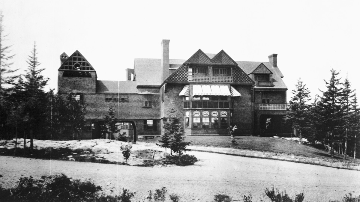 historical photo of shingle style home in mt desert island, ME