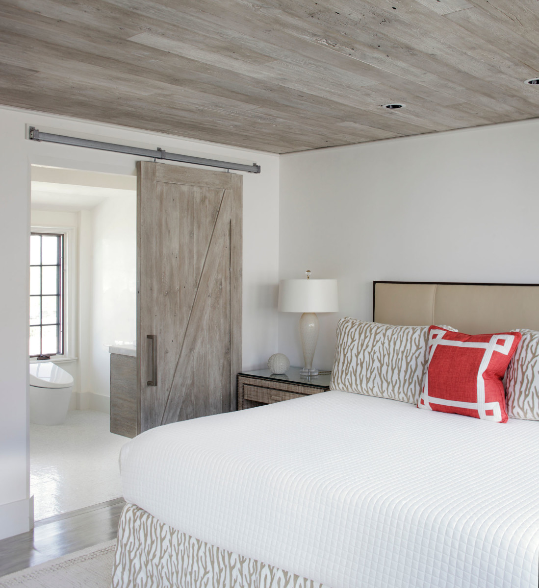 barn door bedroom, Jeffery Dungan Architects