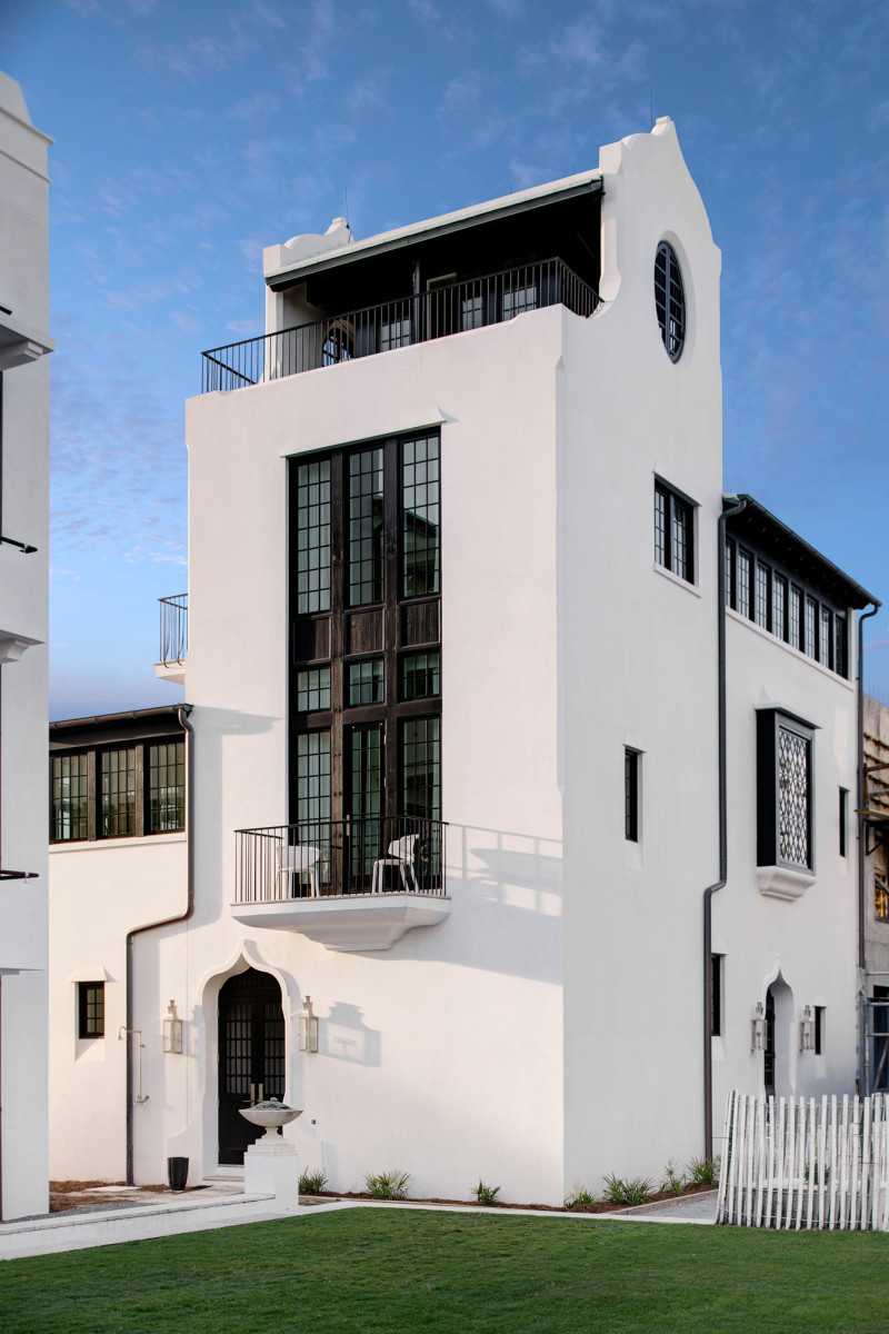 Jeffrey Dungan, new villa exterior