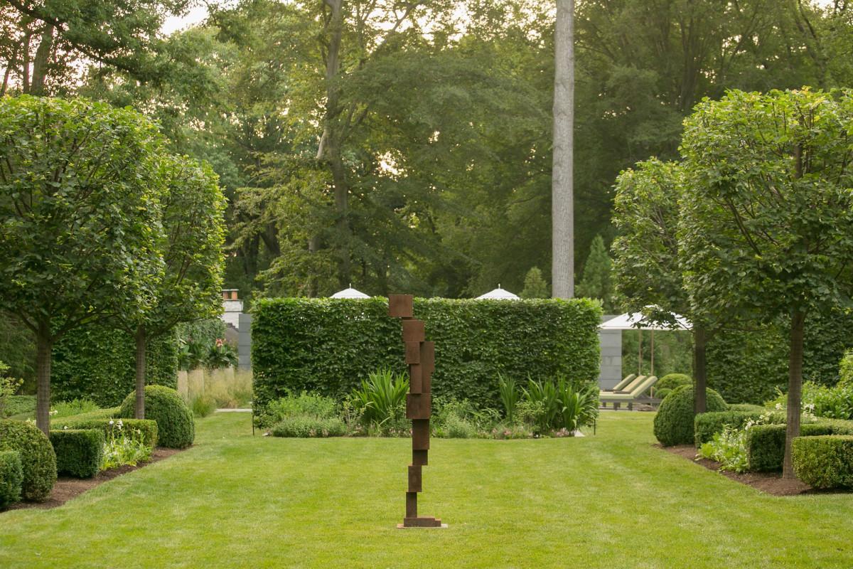 outdoor sculpture art