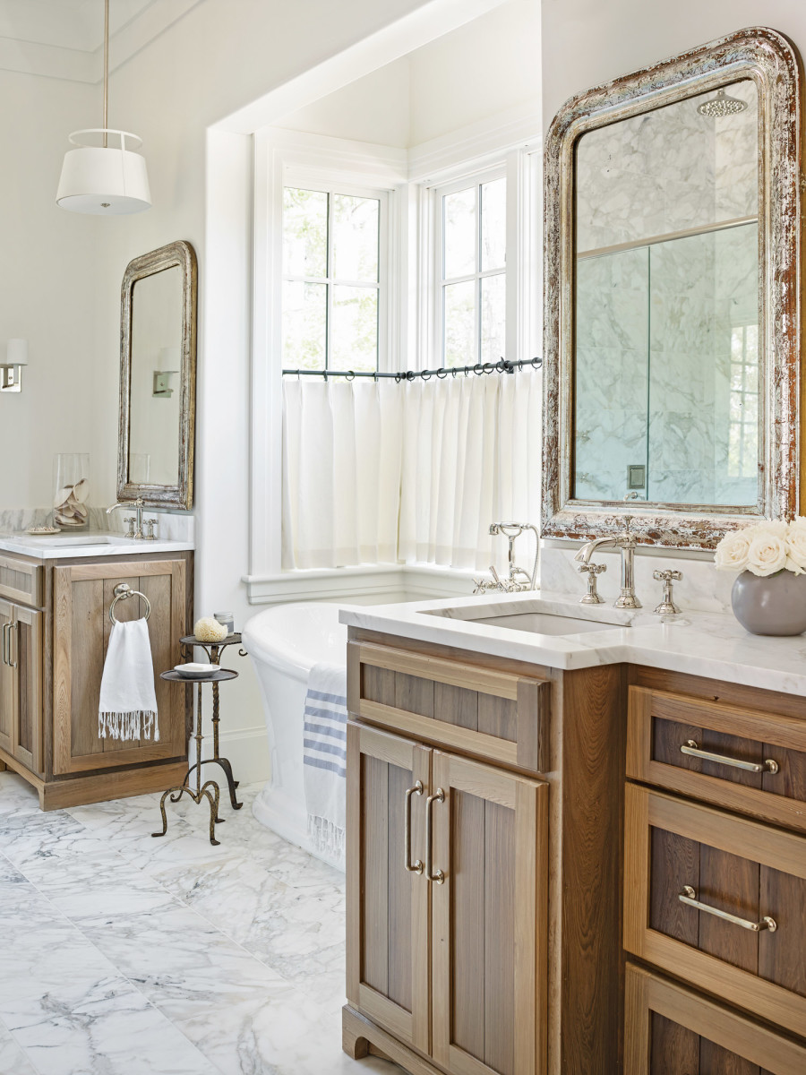low-country creole bathroom