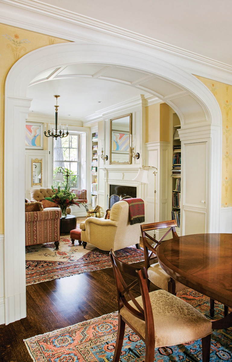 living room with Federal style classical detailing