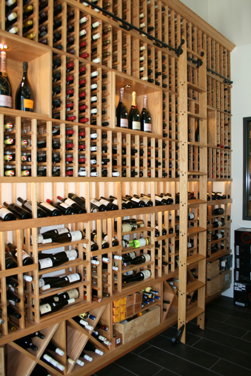 Putnam wine cellar rolling ladder