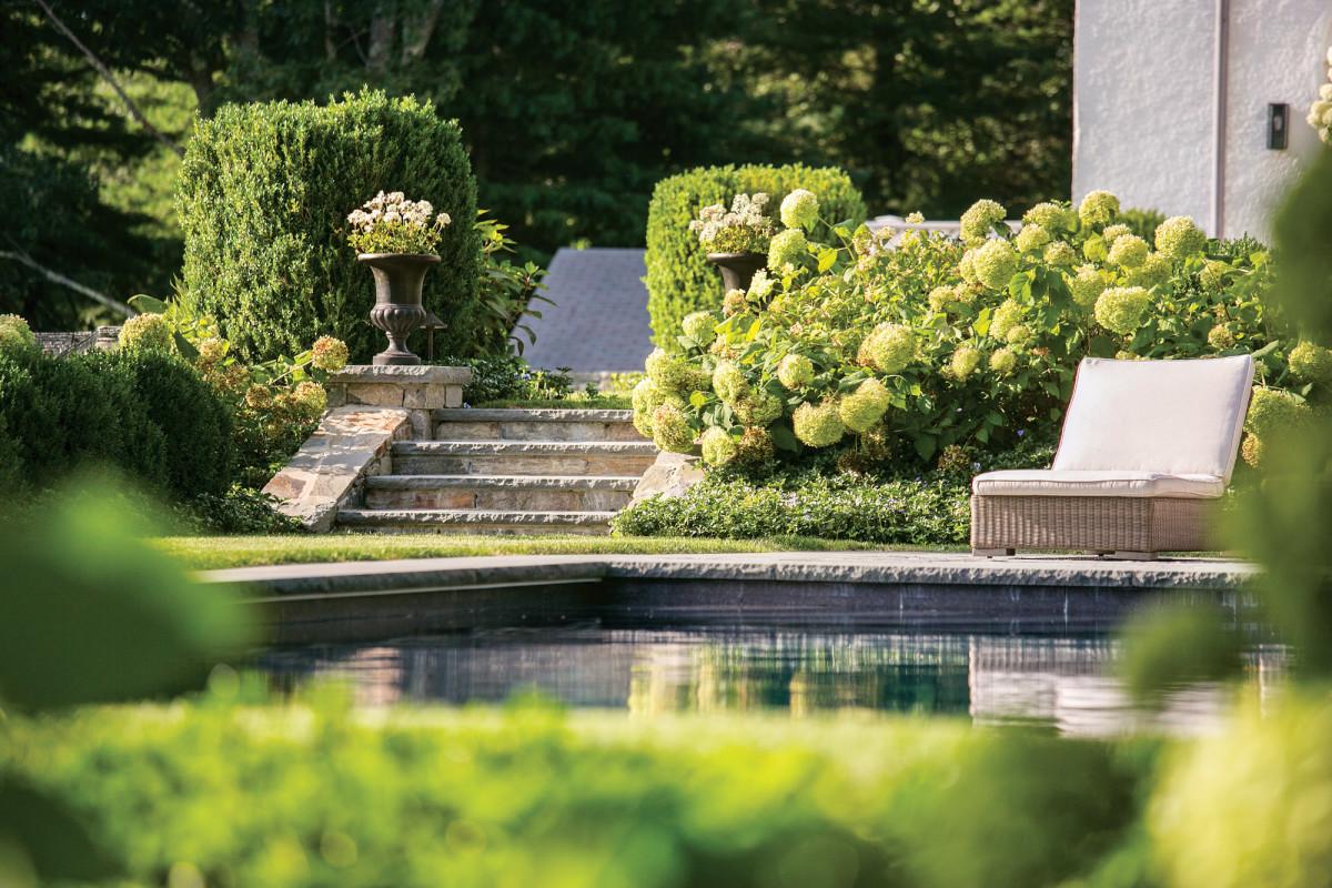 Charles River Estate, pool
