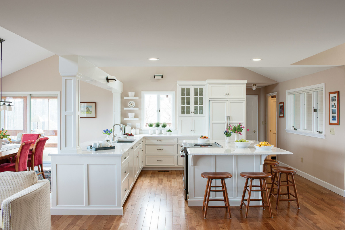 white custom kitchen cabinets
