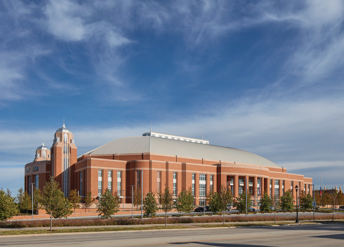 David M. Schwarz Architects Inc.: Dickies Arena exterior