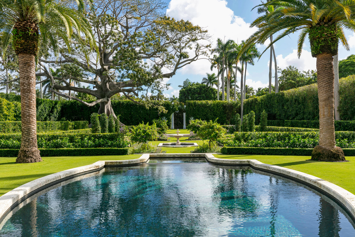 Landmarked John Volk Estate, Fernando Wong Outdoor Living Design