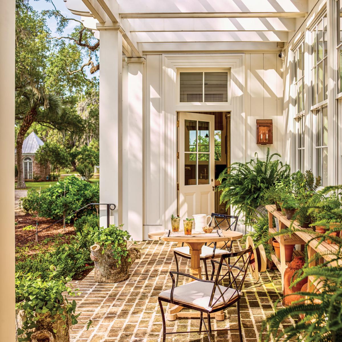 Greek Revival outdoor patio