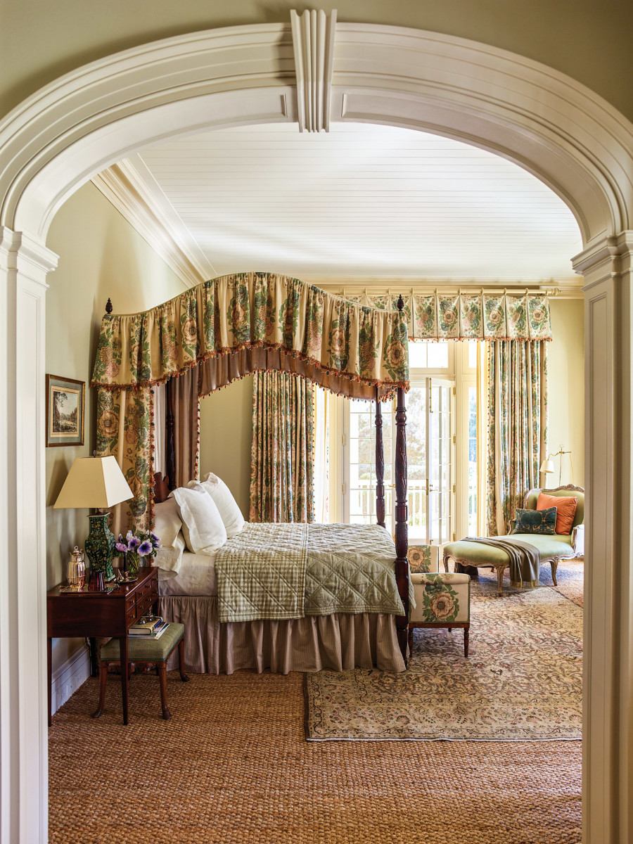 traditional bedroom, canopy bed